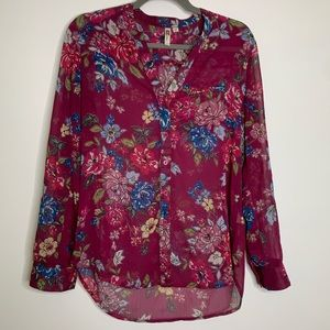Kut from the Kloth  blouse floral hi low hem